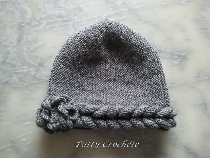 Bonnet assorti écharpe à la tresse fini (2) / Finished toque with plaited cable. Very cool how the cable is created