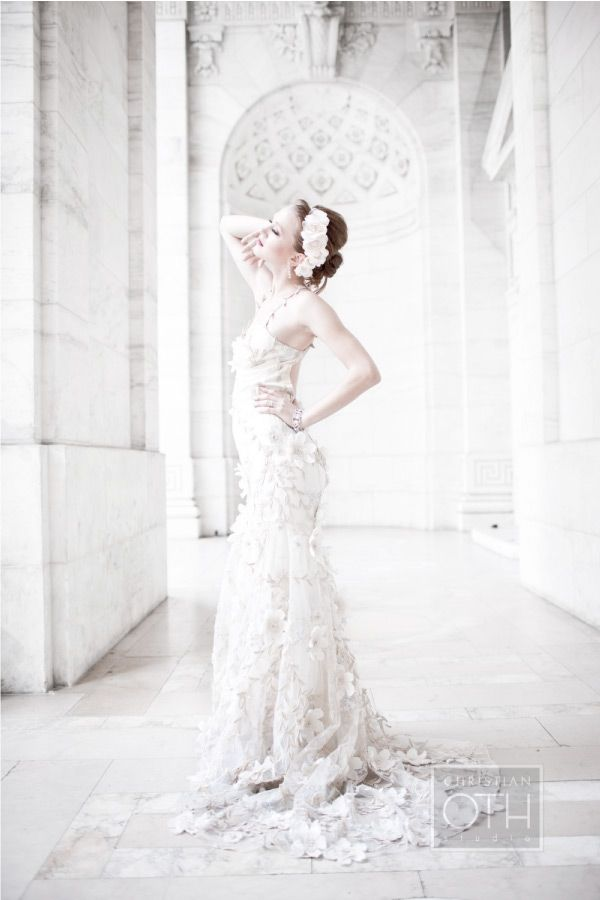 Christian Oth bridal shoot in the library: Wedding Dressses, White Wedding Dresses, Bridal Dresses, Wedding Gowns, Bridal Gowns, Bridal Fashion, Bride, Bridal Wedding Dresses, Fashion Wedding Dress