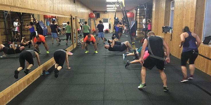 Ha nagyonkevés idődvan a testedzésre, de mégis szeretnédelérni a kitűzött célodat(fogyni, erősödni szeretnél, esetleg az állóképességedet szeretnéd növelni), akkor a TRX edzésalegjobb választásszámodra.