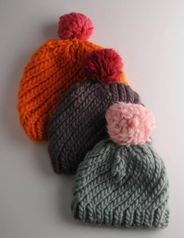 Swirly hats - free pattern