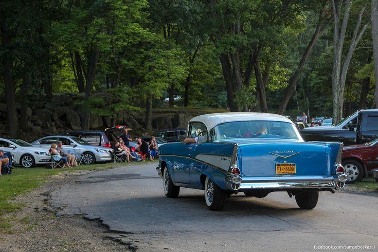 Столь любимый народом за классические формы Шевроле Бел Эйр 1957 года.