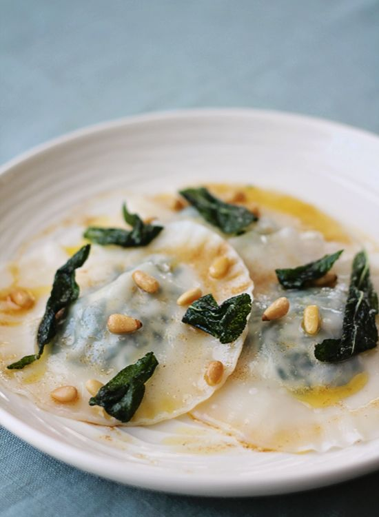 spinach and ricotta ravioli | Nomtacular - Pasta & Pizza | Pinterest