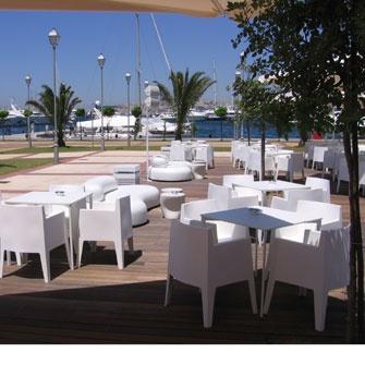 Kentro bar in Marina Flisvos, Greece