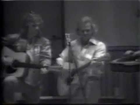 MARGARITAVILLE - Jimmy Buffett, Glenn Frey 1977 Aspen High School  ~ What a jewel of a video!!!