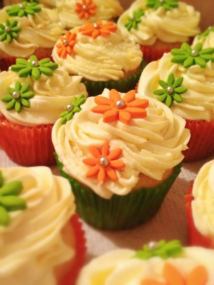 Orange and green cupcakes