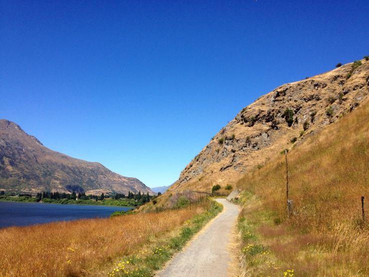 Lake Hayes Walkway, Queenstown, New Zealand.
