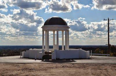 Pioneer Memorial Big Hill Stawell