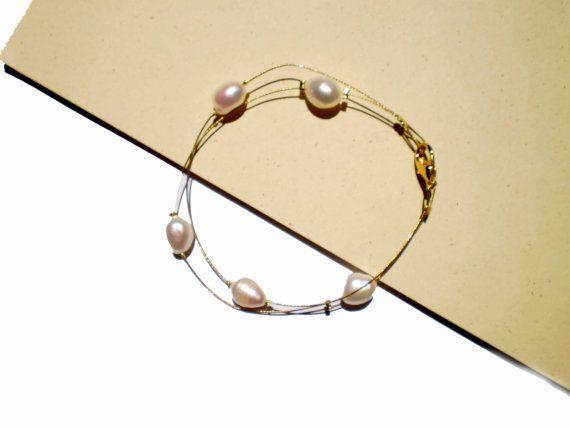 freshwater pearl bracelet Handmade White by twolittlefairies