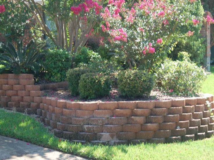 25 best images about diy retaining wall on pinterest for Building a small garden wall