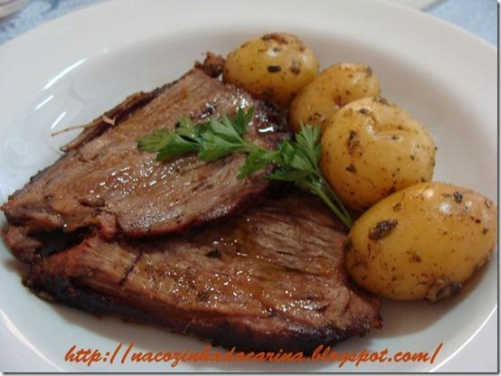 Carne Assada com Manteiga de Mostarda