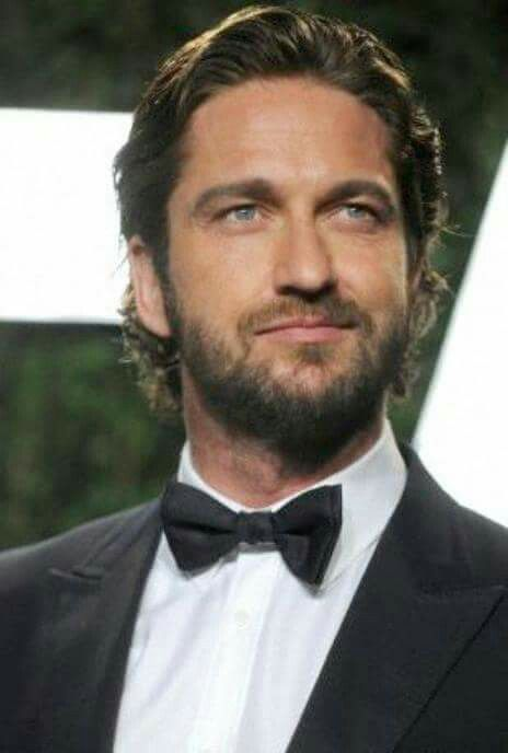 One of my many favorite pics of Gerard Butler                                                                                                                                                                                 More