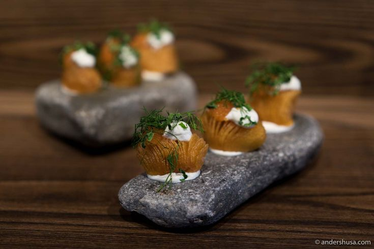 Dig into the most delicious Hasselback potatoes you have ever tasted. Stefan Ekengren is back in Stockholm and cooking at restaurant Hantverket.
