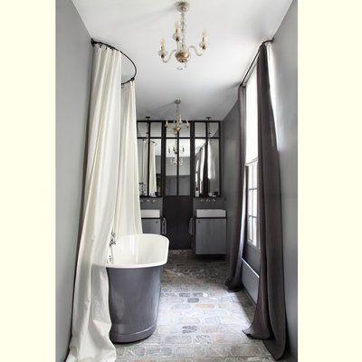 Les 25 meilleures id es de la cat gorie lustre de salle de for Peindre une baignoire en fonte emaillee