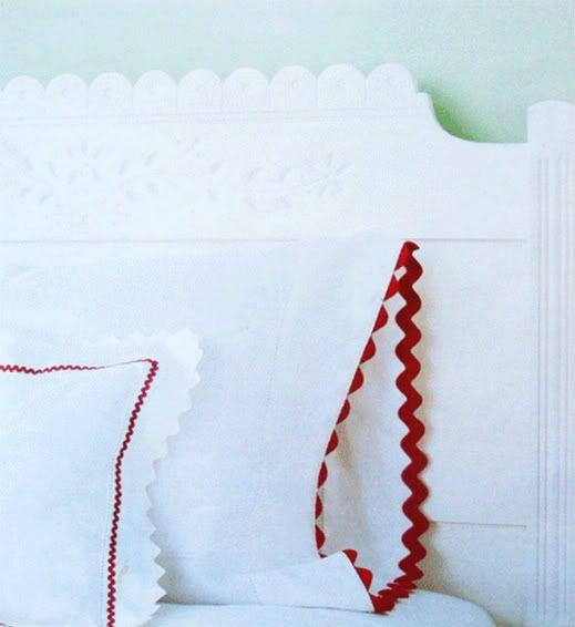 DIY: Rickrack pillowcases