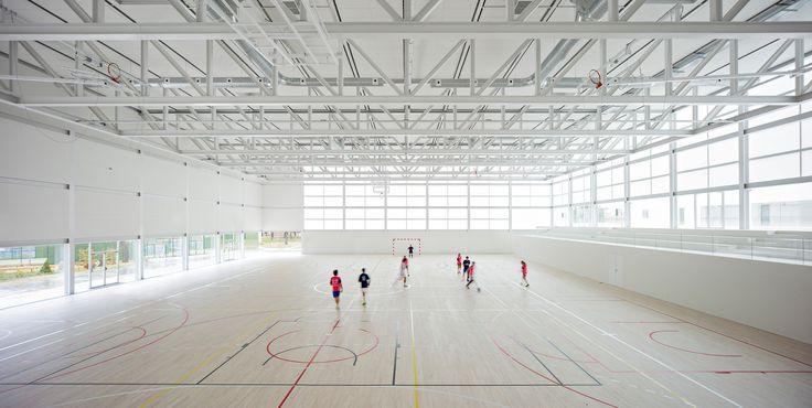 Gallery of Multi-Sport Pavilion and Classroom Complex / Alberto Campo Baeza - 15