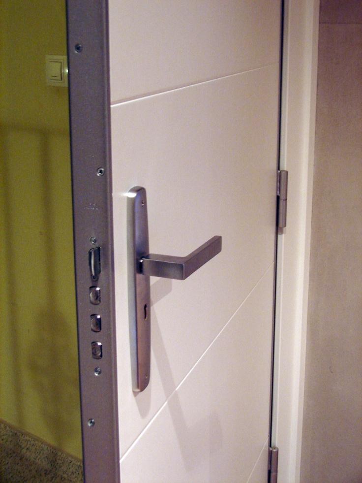 Las 25 mejores im genes sobre puertas de seguridad for Puerta blindada casa