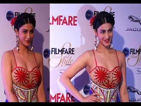 CHECKOUT Shruti Haasan looking stunning hot and gorgeous at the red carpet of Filmfare Glamour And Style Awards 2015.  #shrutihaasan #bollywood #bollywoodnews #bollywoodnewsvilla
