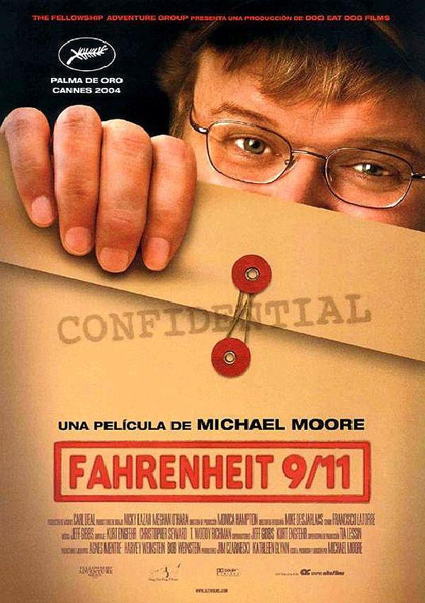 Una película dirigida por Michael Moore con Michael Moore, Debbie Petriken…