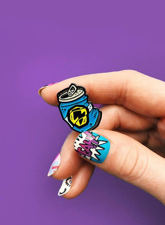 Blue can, enamel pin