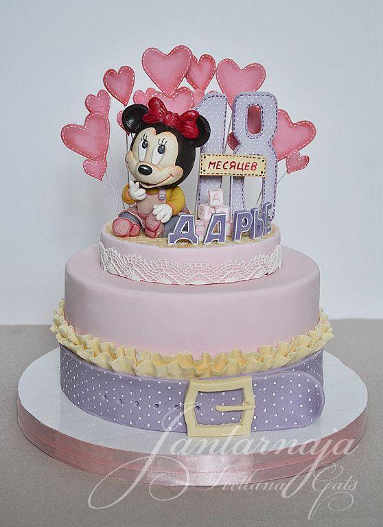 Очень популярный у меня дизайн, уже 4й торт в таком стиле делаю, до этого были тортики для мальчиков, а эти два для девочки.