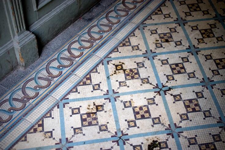 Hidralic tiles by Sandra Juto