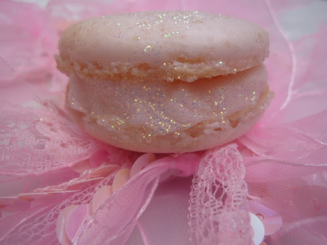 Diary of a Mad Hausfrau: Ballerina Dreams Macarons with Standing Ovation Rose Buttercream - A Mactweets Challenge