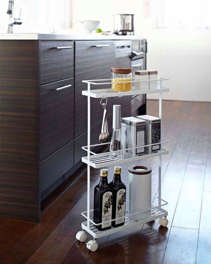 Your kitchen just got a whole lot cuter—AND more functional. Tap the link in our bio to shop this rolling kitchen cart at 40% as part of our storage solutions sale! Photo by @yamazakihome #SOdomino
