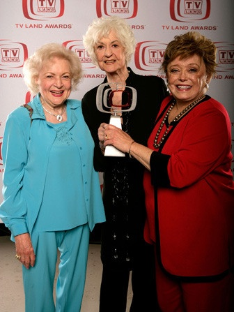Betty White reunites with Golden Girls Bea Arthur and Rue McClanahan at the 2008 TV Land Awards. The 'Golden Girls' cast won the 'Pop Culture' award.