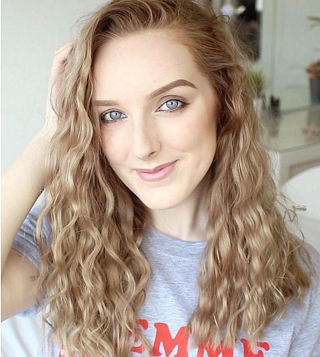 How to get beachy waves hair overnight (heatless hairstyles for summer) | Hey It's Emily  #heatless #hairstyles #curly #hair #wavy #summerhair short hair hairstyles