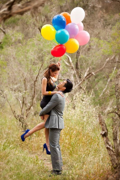 Colorful Balloons // Frances' Pre-wedding Photos