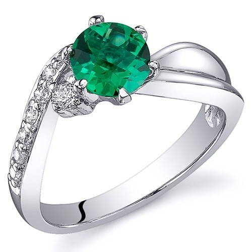 'Gorgeous Lab Emerald Pure .925 Silver Ring SZ 5-9' is going up for auction at  8am Thu, Nov 8 with a starting bid of $1.