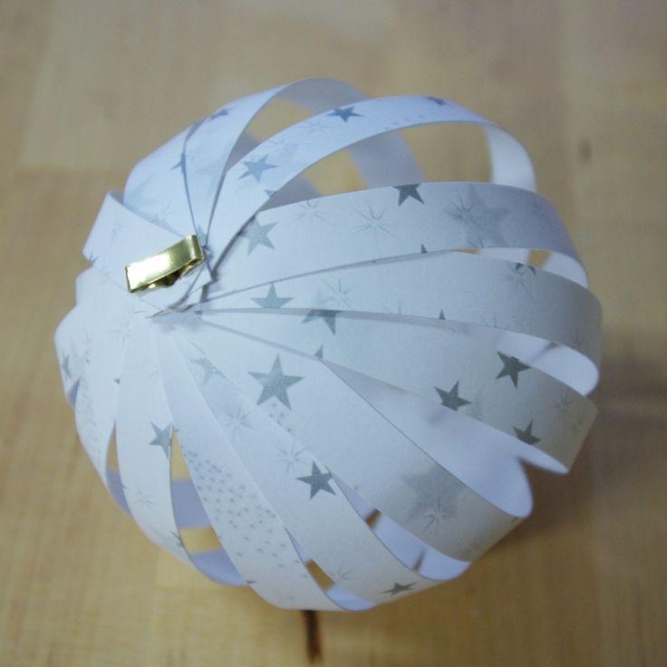Weihnachten Weihnachts-Deko Dekoration Paperballs Paper Balls Christbaumkugeln aus Papierstreifen fertig