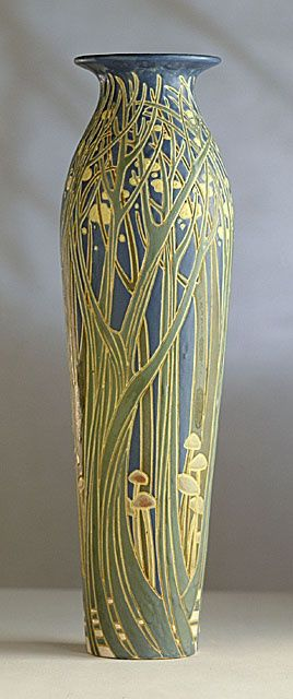 """Frederick Hurten Rhead for University City Pottery, 1911. Collection of Los Angeles County Museum of Art."""
