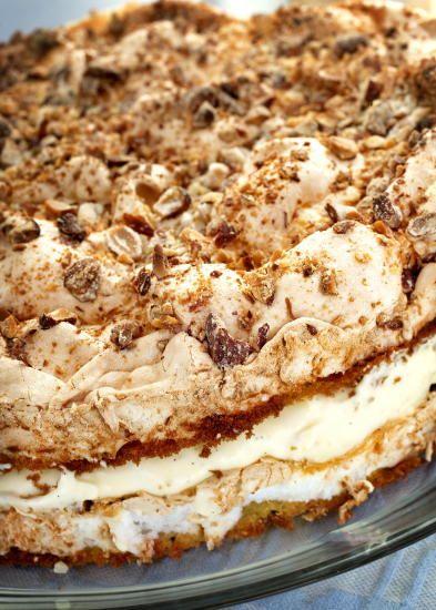 """""""Verdens beste"""", which means """"the world's best"""" - Norwegian national cake? Kvefjordkake."""