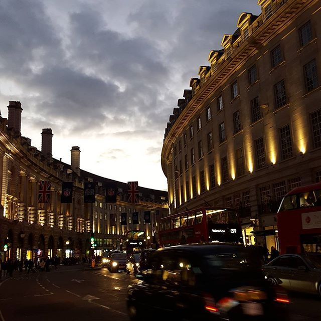 @mariannes.world London you really do yourself proud @regentstreetw1 #nofilter #London #mylondon #piccadillycircus #thirstythursday #regentstreet #lategram #streetlife #MarianneMilLondon