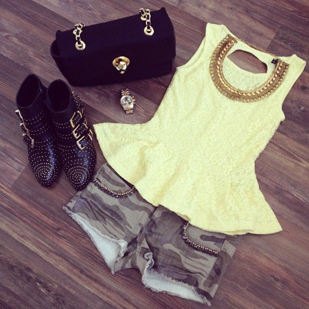 Lace peplum+ camo shorts + booties + statement necklace = best outfit ever!