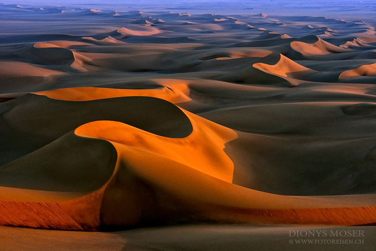 """curves in sand - I discovered White Deset, Egypt, for me in 1983. Since then I spent much time in that desert - all together some more than 5 years of my live! This is taken on our last <a href=""""http://www.fotoreisen.ch/index.php/aegypten/weisse-wueste-fotoreise"""">White Desert guided Fototour</a> in Egypt. Join and enjoy for a first class photography Tour!"""