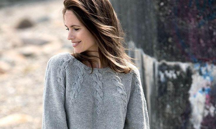 Strik en flot og klassisk bluse med snoninger.