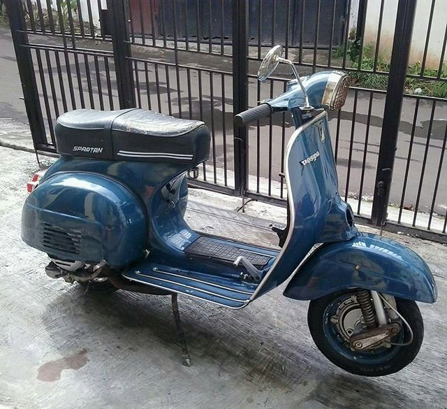 Vespa Super Sprint 150.  And this is for Sale! For contact & information @x.view_odick