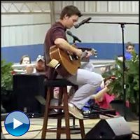 Duck Dynasty's Reed Robertson Plays Hallelujah at School - a Must See - Music Video