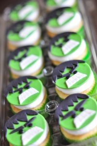 Hulk Cupcakes - All because Two People fell in Love