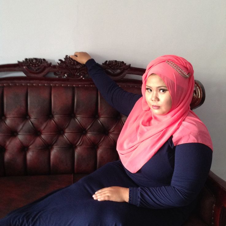 Pink and glowing but natural make up by diantisukma