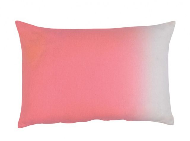 Coussin rose conforama