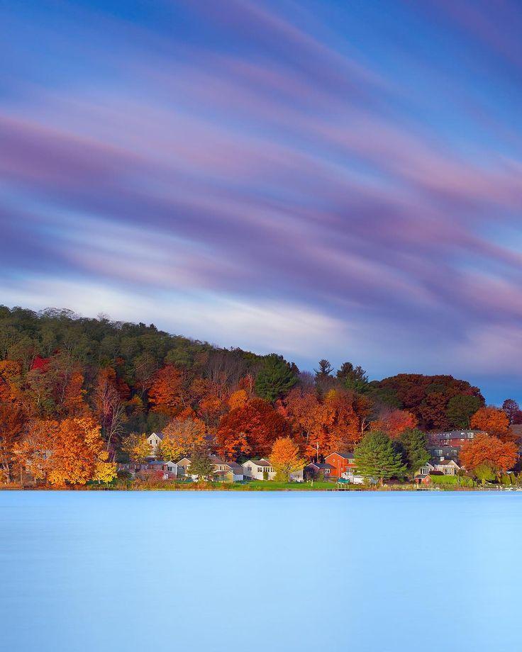 "4,008 Me gusta, 58 comentarios - CNN Travel (@cnntravel) en Instagram: ""A still Lake Gardner in the beautiful town of Amesbury 🏞 // Image by @greg_dubois"""