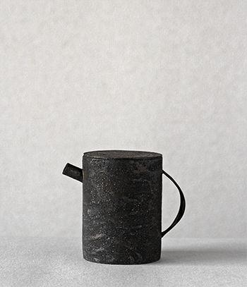 teapot * Takashi Endo * via analogue life