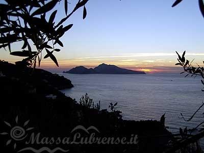 massalubrense facing capri island