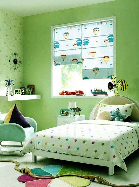 Kids room decor love the hot air balloon roman shades for Blinds for kids rooms