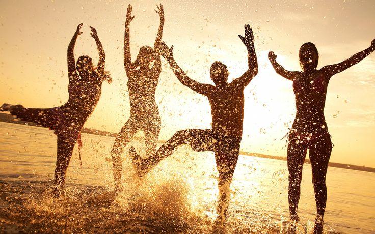 Despre mitul fericirii. Ce este de fapt fericirea?
