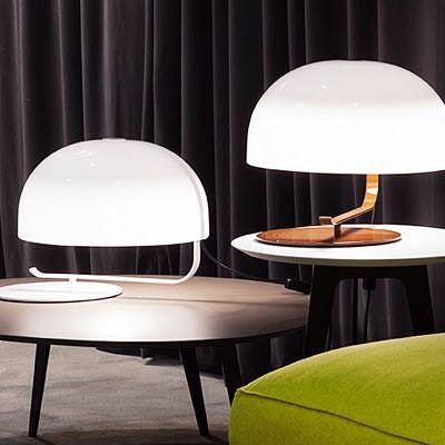 Este é o candeeiro Oluce 275. Foi lançado no início dos anos 60. Tem nome de código mas na verdade é uma das obras primas do próprio criador: o designer Marco Zanuso uma das figuras incontornáveis do design do século XX e do design 'made in Italy'. Por ser tão icónico a marca voltou a reeditá-lo e nós na QuartoSala - Home Culture porque somos apaixonados por DESIGN temo-lo no nosso showroom à sua espera !!!! #oluce #lamps #projetos #lisboa #casa #marcozanuso #decoração #iluminação #lighting…