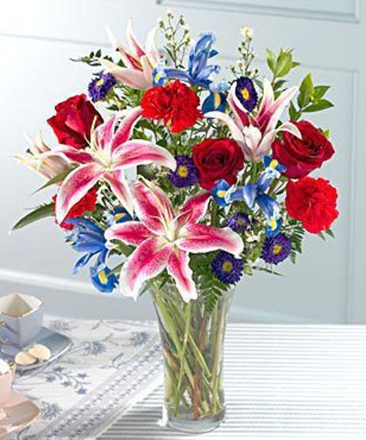 Patriotic Floral Arrangements in Minneapolis, MN Schaaf